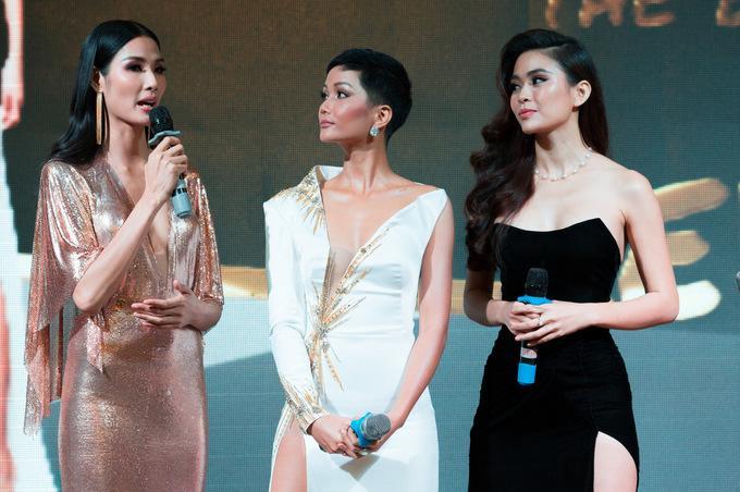 Sau hình ảnh gầy rộc vì nhập viện, Hoa hậu H'Hen Niê tự tin 'tái xuất' khoe dáng bốc lửa với bikini