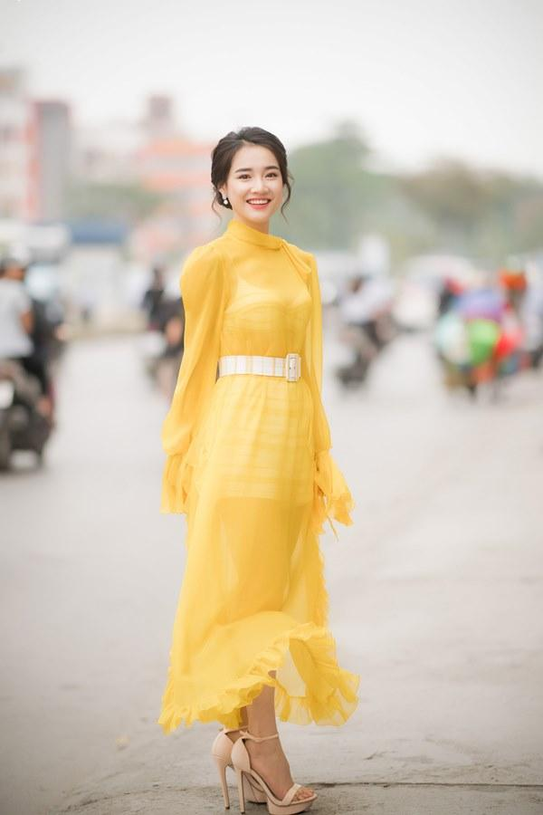 Sau-loat-hinh-khoe-lung-gay-Nha-Phuong-dsc1608-1522655080-width600height900.jpg