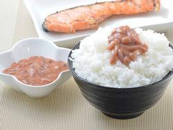 Món mực thối lên men khiến thực khách vừa ăn vừa bịt mũi