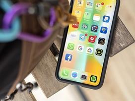 iPhone màn hình cong, điều khiển không cần chạm màn hình