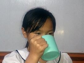 Cô giáo phạt học sinh uống nước giặt giẻ: 'Tôi lỡ vì kinh nghiệm chưa nhiều'