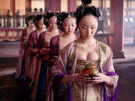 Nổi tiếng sau khi đóng chung với Châu Kiệt Luân, Củng Lợi nhưng mỹ nữ này lại có số phận long đong ít ai ngờ
