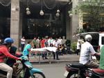 Du khách nước ngoài nằm chết trên vỉa hè, giữa 2 khách sạn lớn