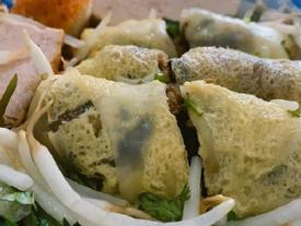 Sống ở Sài Gòn nhưng liệu bạn đã ăn hết những món bánh cuốn độc lạ có 1-0-2 ở đây?