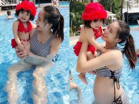 Tin sao Việt: Hải Băng lộ bụng bầu lần 2 khi mặc bikini vui đùa cùng con gái