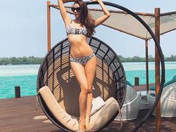Tin sao Việt: Phạm Hương phô diễn hình thể với bikini tại Indonesia