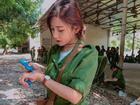 'Hot girl quân sự': Thoa kem chống nắng thôi cũng thần thái