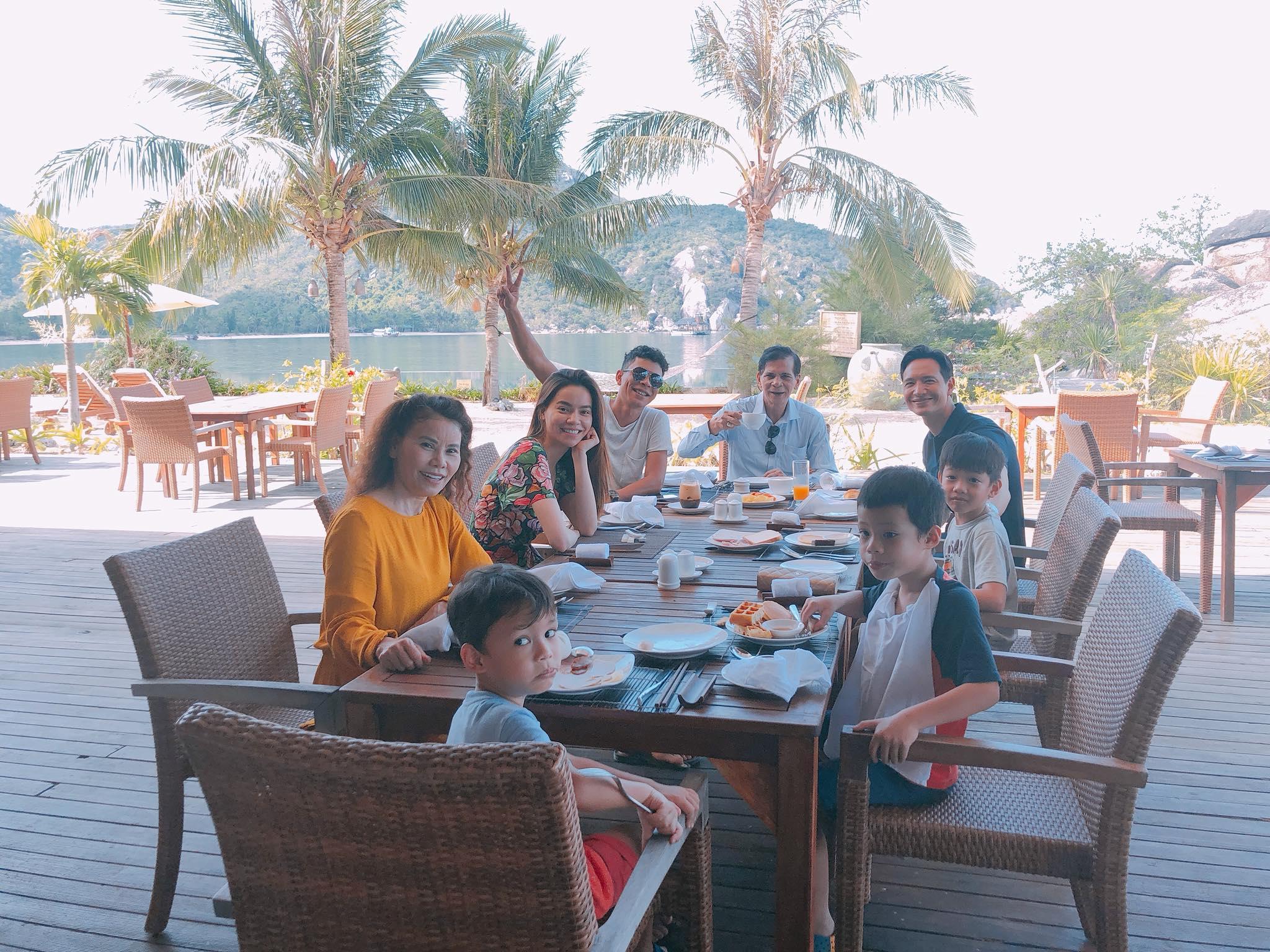 Kim Lý đi nghỉ dưỡng cùng gia đình Hồ Ngọc Hà tại Nha Trang