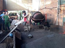 Kinh hoàng hàng chục tấn cà phê 'nhuộm' pin chuẩn bị xuất xưởng