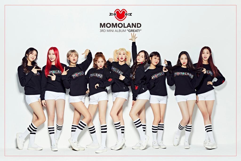 Nhóm nhạc nữ Momoland đang bị chỉ trích vì thường xuyên mặc quần ngắn