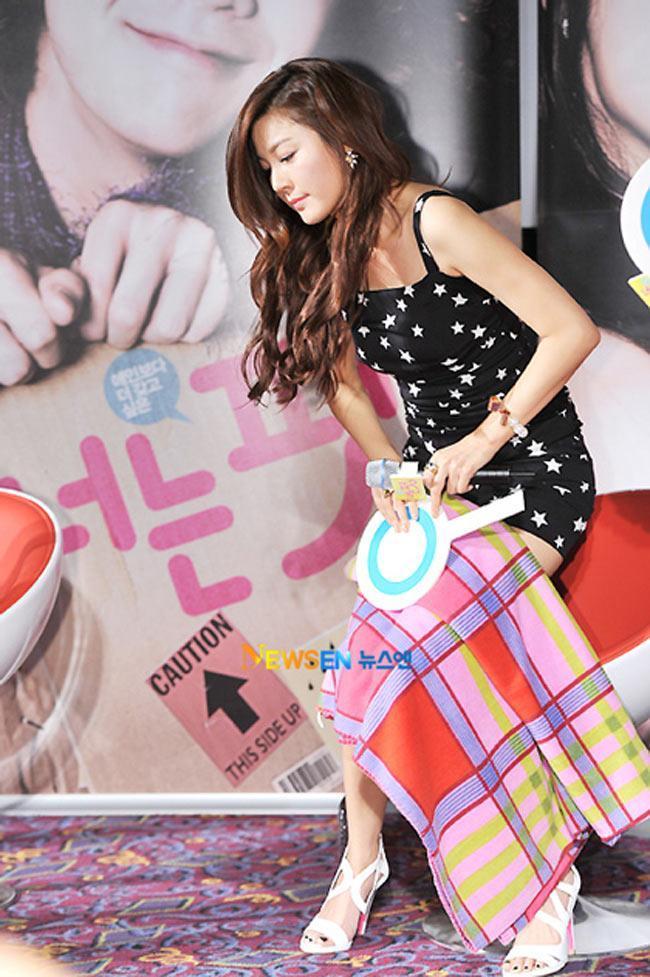 nghệ sĩ Hàn đều nhờ trợ lý mang theo một tấm khăn
