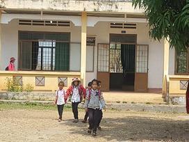Tạm đình chỉ công tác thầy giáo bị tố đấm vào mặt học sinh lớp 1