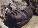 Theo Bright Side, các nhà khảo cổ đã tìm thấy tổng cộng 17 tượng, trong đó tượng đầu tiên được phát hiện ở gần di chỉ Tres Zapotes, Mexico vào năm 1862. Đến nay, họ vẫn không hiểu được làm sao người Olmec có thể di chuyển những khối đá nặng đến gần 20 tấn như vậy, trong khi thời kỳ đó không có phương tiện bánh xe hay súc vật? Và khuôn mặt được tạc trên tượng đá là ai?
