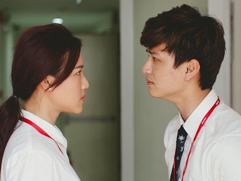 Bị trách móc làm tổn thương Hoàng Oanh, Huỳnh Anh đáp: 'Làm ơn để tôi viết cuốn truyện khác tốt hơn'