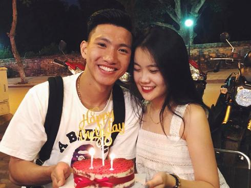 Cầu thủ Đoàn Văn Hậu công khai bạn gái trong ngày sinh nhật?