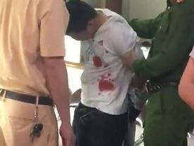 Ảnh hiện trường và clip cảnh sát bắt nghi phạm cướp tiệm vàng ở Hà Nội