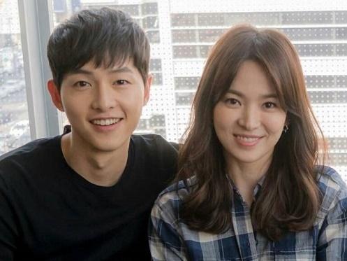 Sao Hàn 20/4: Vợ chồng Song Hye Kyo đứng đầu danh sách 'cặp chị em' được yêu mến nhất