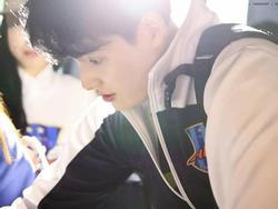 Nữ tuyển thủ bóng chuyền Hàn Quốc bỗng dưng gây sốt vì… đẹp trai như nam thần!