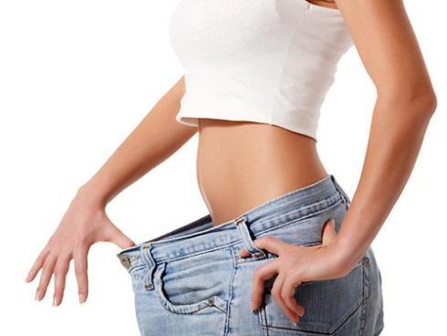 Mách bạn cách ăn uống để bụng không chảy xệ vì…. mỡ