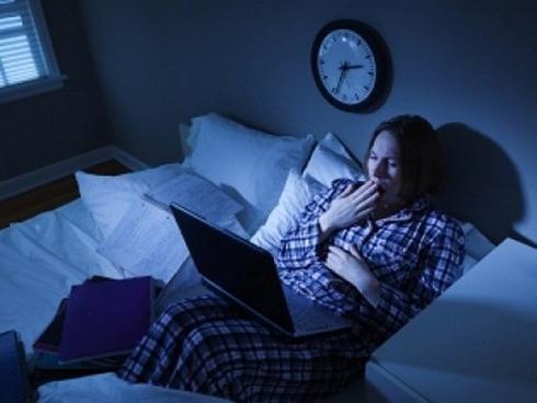 Thức khuya làm tăng nguy cơ tử vong sớm
