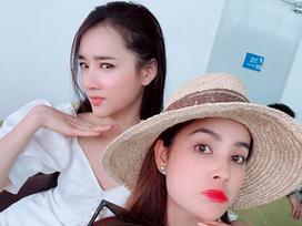 Tin sao Việt: Nhã Phương cùng Phạm Hương 'nắm tay nhau' về Sài Gòn tối nay