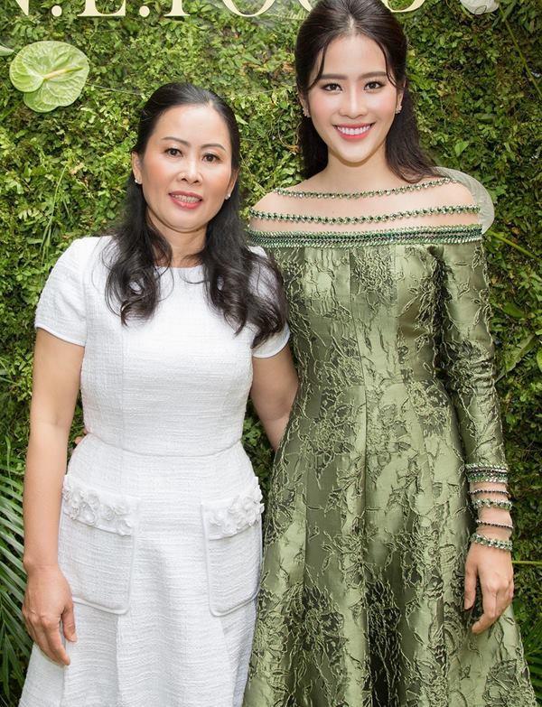Mẹ Nam Em lên tiếng tố cáo Trường Giang từng đòi cưới con gái bà.