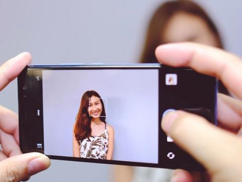 Kẻ lừa đảo lợi dụng việc nộp ảnh chân dung thuê bao điện thoại để trục lợi?