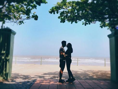 Hot girl - hot boy Việt: Tâm Tít khoe khoảnh khắc chạm mũi ngọt ngào bên ông xã