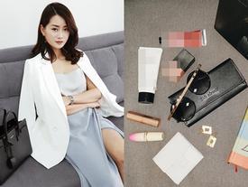 Bất ngờ 'khám túi' Quỳnh Chi - MC sành điệu và sexy bậc nhất trong dàn mỹ nữ nhà đài