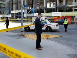 Tấn công bằng xe tải ở Canada, ít nhất 9 người chết