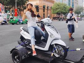 Tin sao Việt: Phạm Hương bất ngờ 'tấu hài bá đạo' trên phố