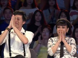 Hoài Linh - Việt Hương bật khóc khi gặp lại người xả thân cứu 11 người vụ sập nhịp dẫn cầu Cần Thơ 11