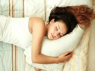 Bất ngờ với lý do chị em cần phải ngủ nhiều hơn đàn ông!