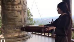 Lên chùa tĩnh tâm, Nam Em thở dài: 'Đâu có ai muốn mình trở thành phù thủy'