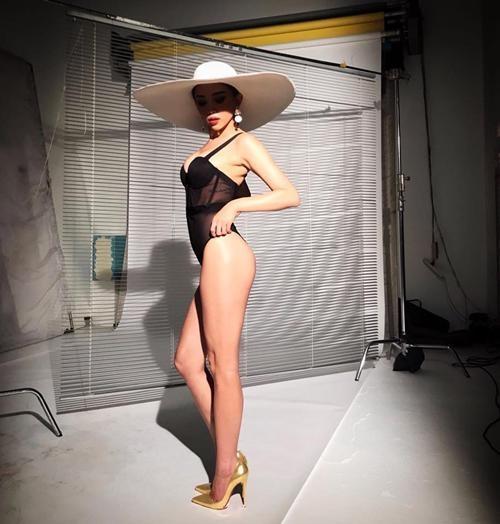 bikini-1-manh-vu-khi-toi-thuong-cua-angela-phuong-trinh-toc-tien-6.jpg