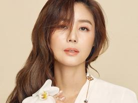 Sao Hàn 1/5: Hoa hậu Hàn Quốc Kim Sung Ryung tiết lộ bí quyết giữ gìn vóc dáng ở tuổi 51