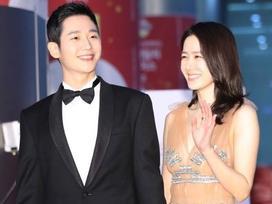Son Ye Jin cùng Jung Hae In chiếm hết spotlight giữa dàn sao khủng tại thảm đỏ Baeksang 2018