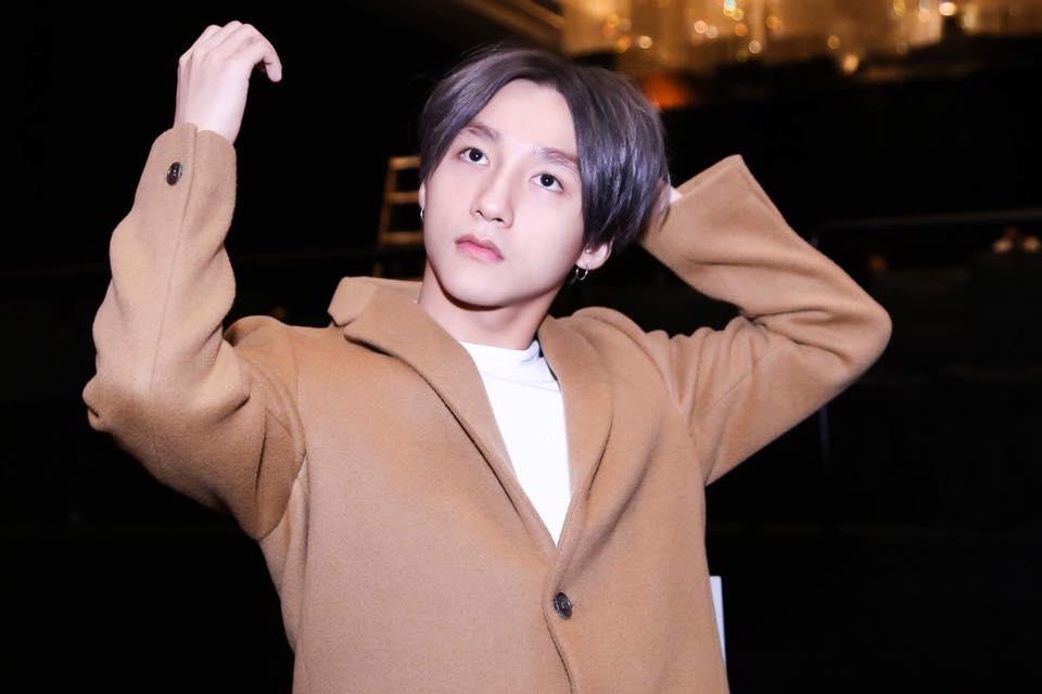 Showbiz Việt: Dàn mỹ nam bị chê xuống sắc khi nuôi tóc dài