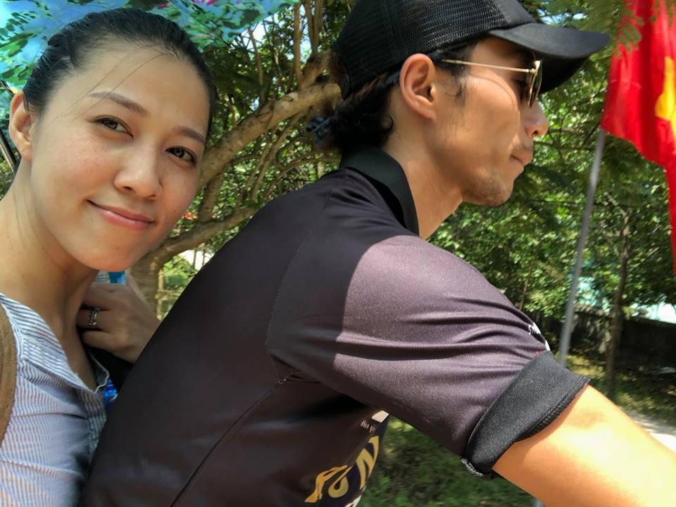 Phạm  Anh Khoa và vợ