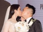 Diệp Lâm Anh và ông xã trao nhau nụ hôn ngọt ngào trong tiệc cưới sang trọng