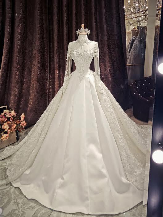 Những chiếc váy cưới đẹp như cổ tích của 5 cô dâu đình đám nhất showbiz Việt năm 2018-10