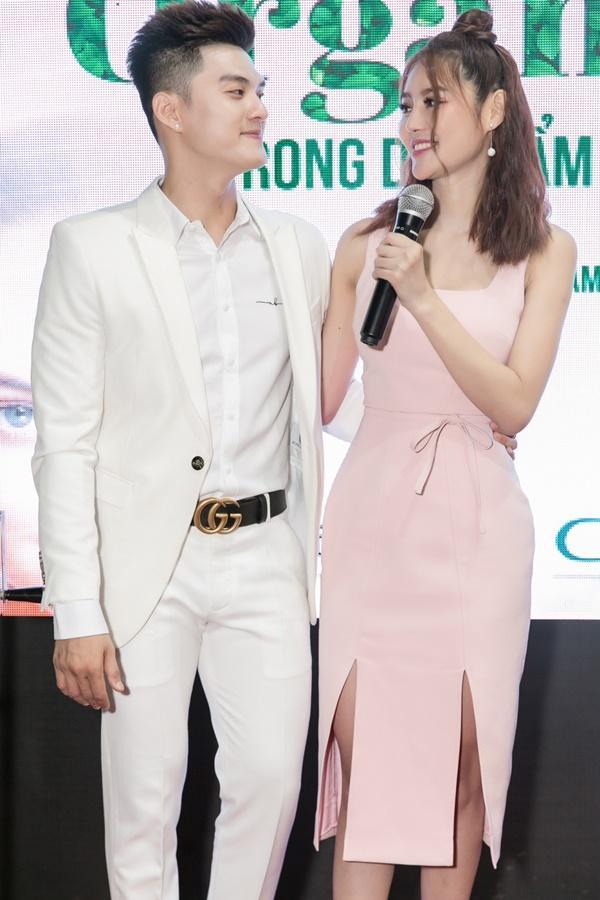 Nữ diễn viên Linh Chi xúc động khi nói về tình yêu của mình và Lâm Vinh Hải