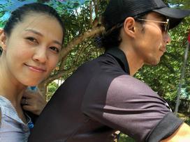 Liên tiếp đăng ảnh hạnh phúc, vợ Phạm Anh Khoa vẫn ẩn ý: 'Trong tâm bão lại bình yên đến lạ'