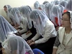 Bố chồng mong chính quyền bắt giam con dâu vì theo Hội Thánh Đức Chúa Trời, bỏ bê con cái