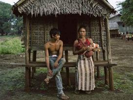 Bộ lạc kỳ lạ, nơi bố mẹ xây chòi cho con gái 'quan hệ' với bao nhiêu người tùy ý