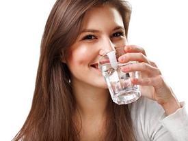 Học bí quyết giảm cân và kéo dài tuổi thọ của người Nhật Bản bằng cách uống thứ nước này khi vừa thức giấc