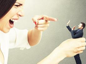 Lý do vợ thường xuyên phải quỳ gối trước mặt chồng