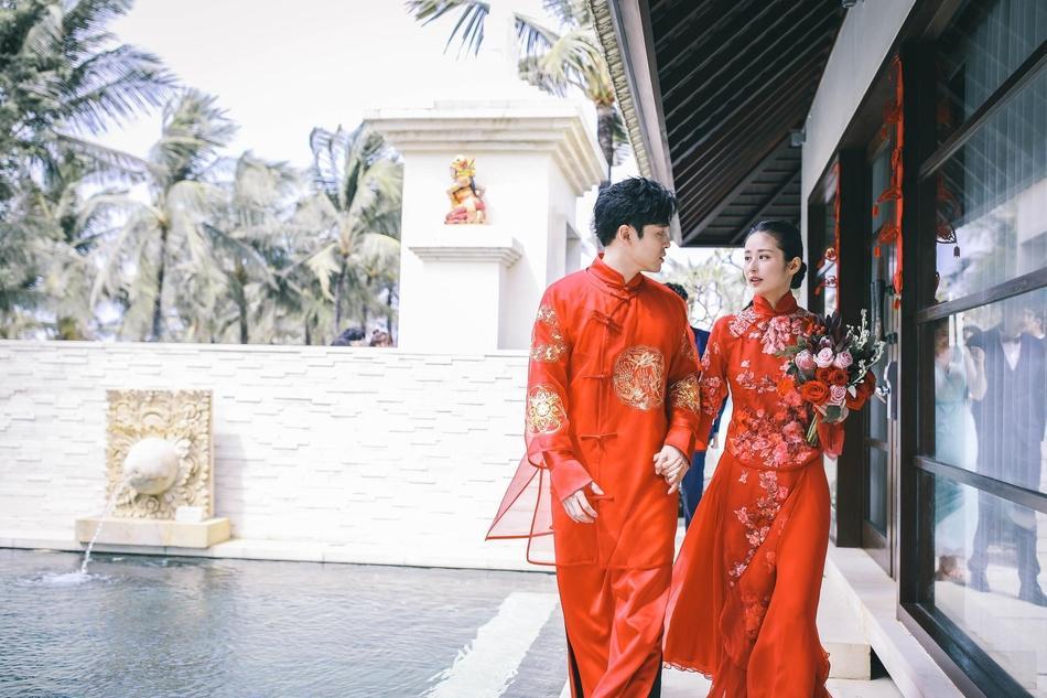 Hôn lễ siêu lãng mạn của cặp đôi 'Cổ Kiếm Kỳ Đàm' Phó Tân Bác - Dĩnh Nhi