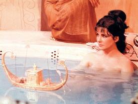 Nghệ thuật 'trẻ mãi không già' của Nữ hoàng Ai Cập Cleopatra