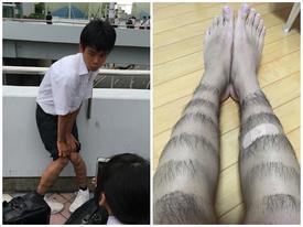 Nam sinh bỗng chốc nổi tiếng khắp Nhật Bản bằng cách nhổ lông chân theo hình họa tiết